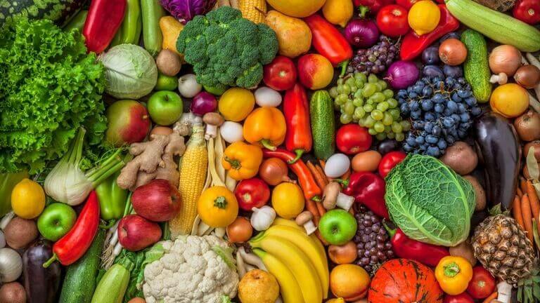 Tavaszi zöldségek gyümölcsök