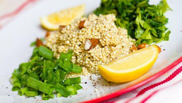 Egy finom és egészséges ebéd receptje. Ez nem más mint mandulás quinoa. Készítsd el te is!
