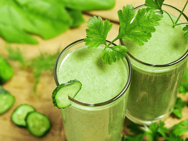 Sóskás zöld ital