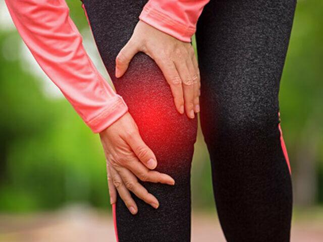Az arthritis az ízületek gyulladását, azoknak gyulladt állapotát jelenti.