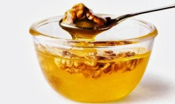 Valódi csoda a mézes dió. Érdemes rendszeresen fogyasztani.