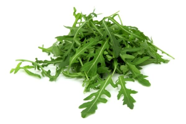 Fogyassz te is rukkolát. Nagyon egészséges növény, az íze viszont kesernyés, csípős, és leginkább a tormához hasonlít.