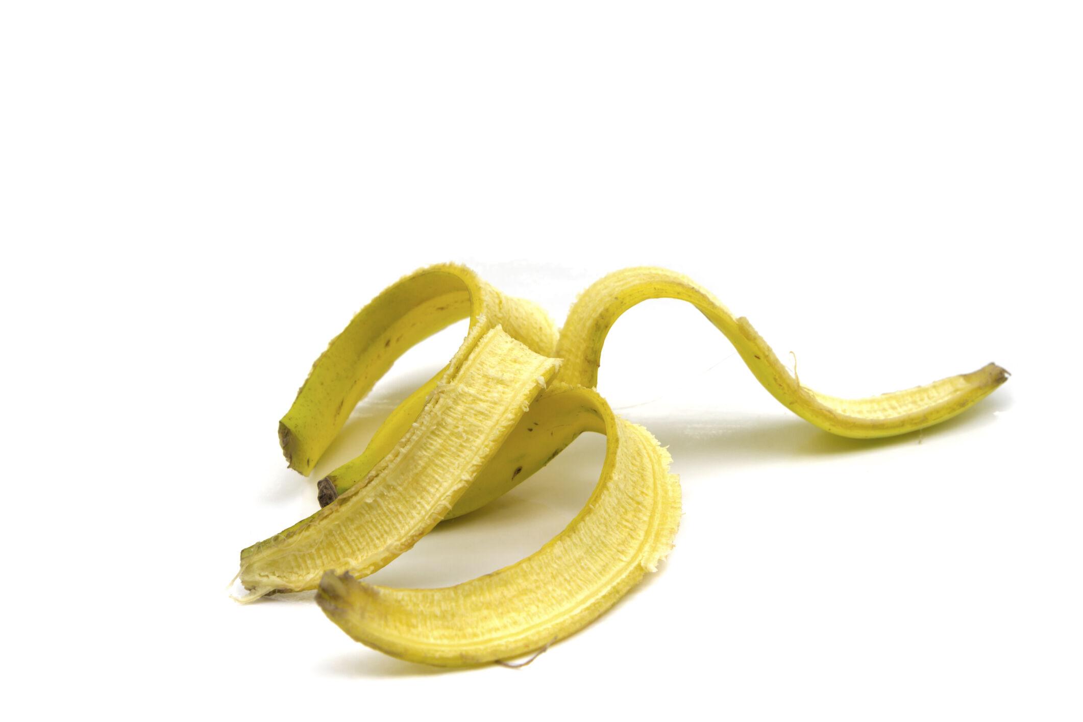 Pattanások ellen is bevethetjük a banánhéjat, ugyanis vitaminokkal és ásványi anyagokkal látja el a bőrt.