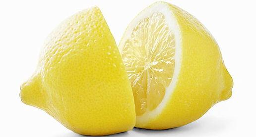 A citrom savasít. Nem igaz! Bármennyire hihetetlen, a citrom a savanyú íze ellenére lúgosítja a szervezetet.
