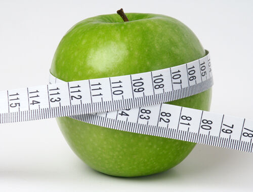"""Az alma nagyon egészséges. Nem véletlenül szól úgy a mondás, hogy """"mindennap egy alma az orvost távol tartja""""."""