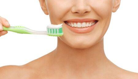 Ha mégsem választasz fluort tartalmazó fogkrémet, készíts magadnak otthon, házilag!