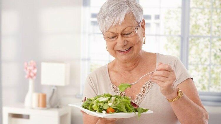Pajzsmirigy túlműködés esetén fontos a megfelelő étkezés.