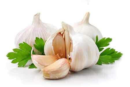 A fokhagyma fogyasztása kiváló természetes módszer a vérnyomás csökkentésére!