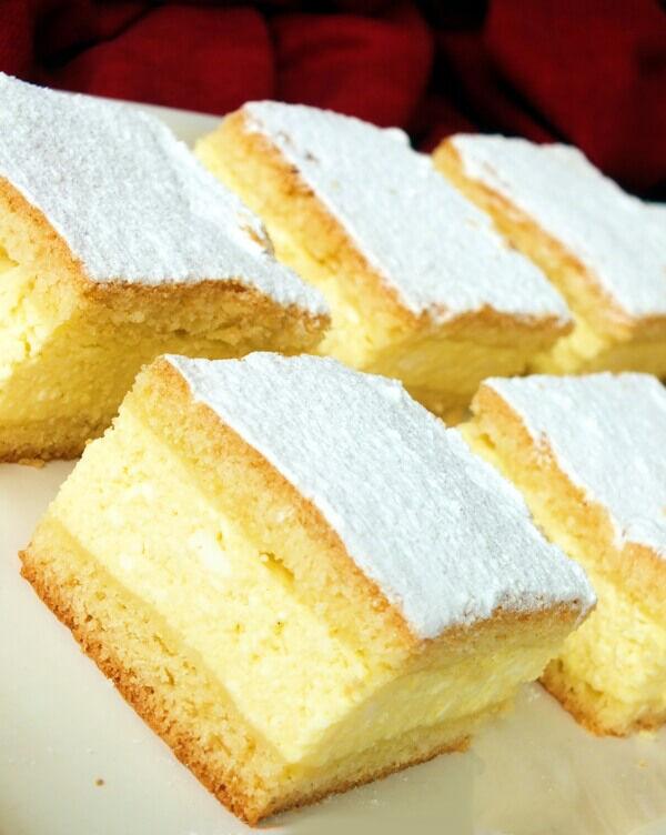 Egy gyorsan elkészíthető és finom túrós sütemény receptje.