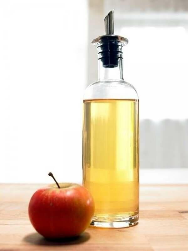Az almaecet igazán hatásos ha korpás hajról vagy pattanások eltűntetéséről van szó.