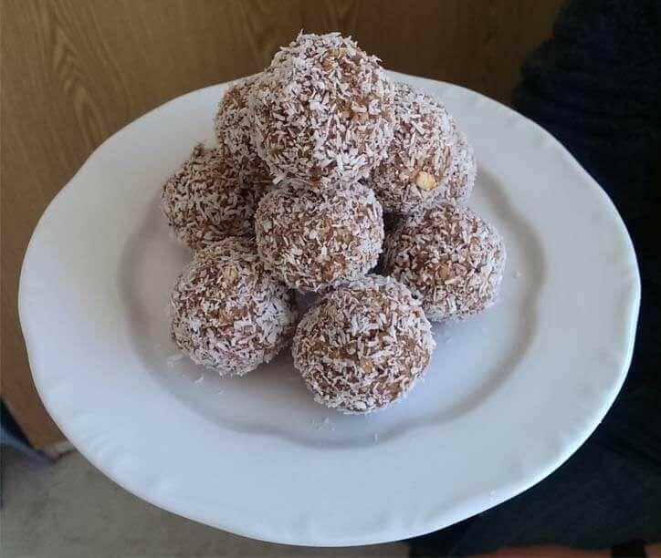 Egy finom kókuszgolyó diétás receptje, melyet most te is elkészíthetsz. Tudd meg ennek az igazi finomságnak a receptjét.
