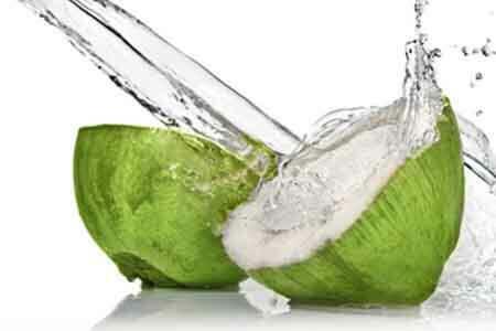 A kókuszvíz fogyasztása kiváló természetes módszer a vérnyomás csökkentésére!