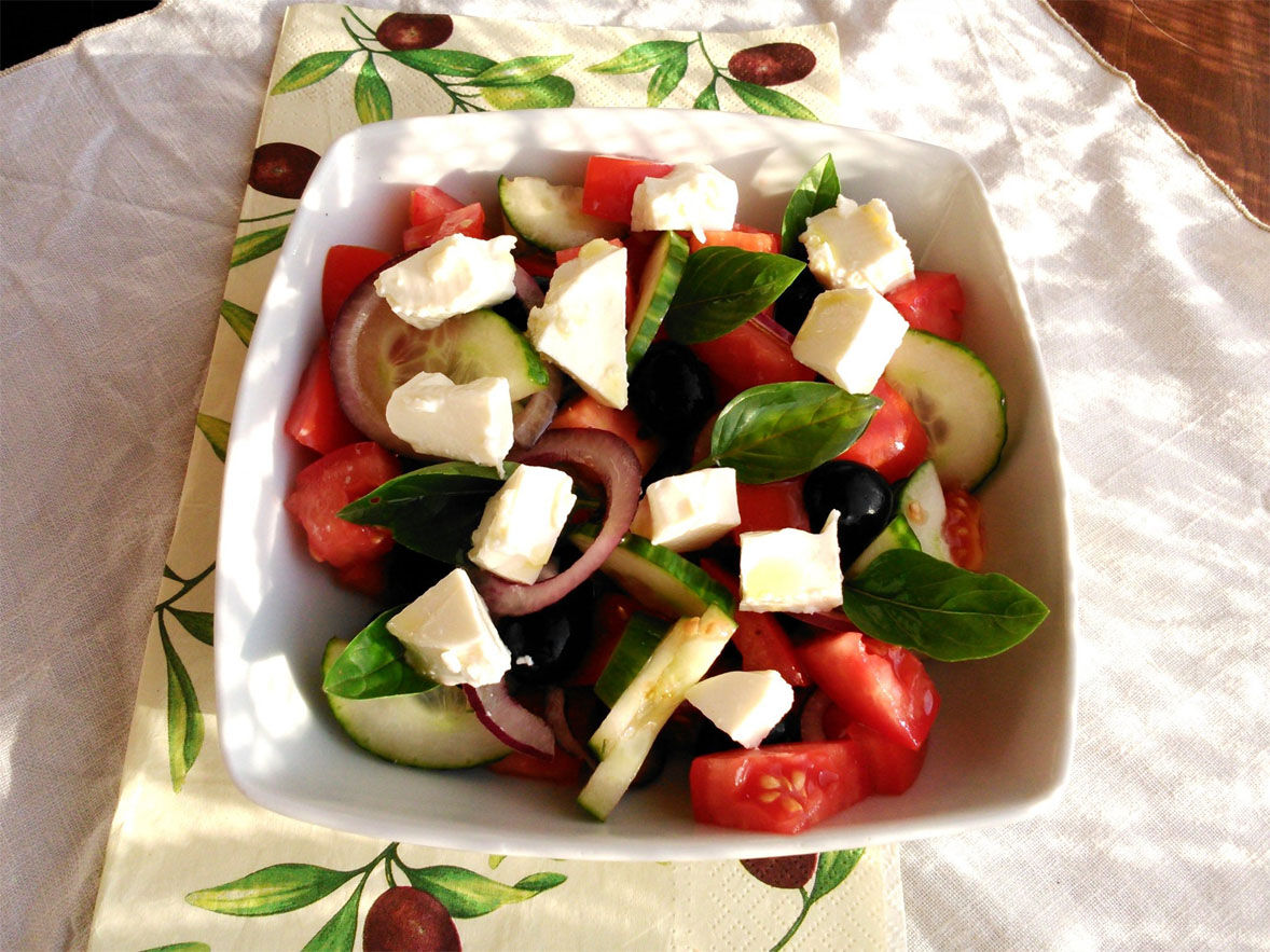 Friss görög saláta