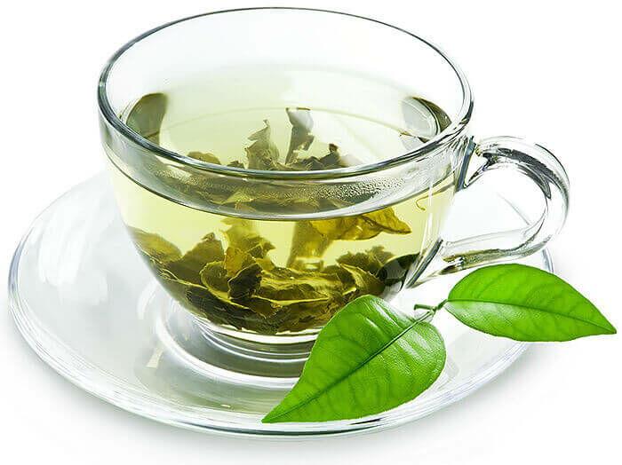 Gyakorlati bizonyíték egyelőre nincs arra, hogy 100 %-osan hatékony, azonban a 90-es évek kutatásai alapján azok, akik rendszeresen ittak min. napi 2 csésze zöld teát, 60%-kal kisebb volt az esélyük a nyelőcsőrák kialakulására.