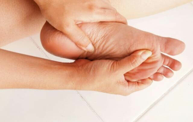 Tudd meg, hogy milyen okai lehetnek a lábdagadásnak! Többféle kiváltó oka is lehet a lábdagadásnak. Tudd meg mik lehetnek ezek