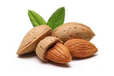 A nyers mandula fogyasztása kiváló természetes módszer a vérnyomás csökkentésére!