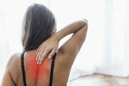 Miért fáj a hátam, ha levegőt veszek?