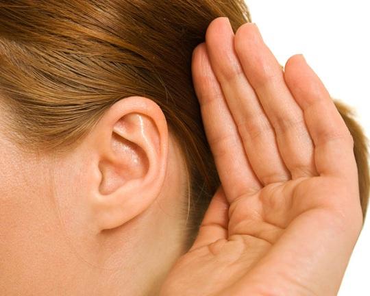 Halláskárosodás tünetei és kezelése