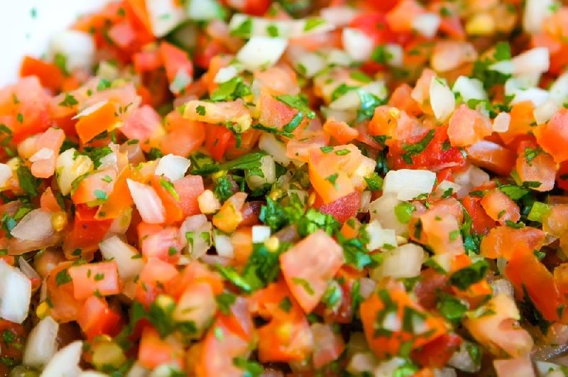 Mexikói zöldséges gyümölcs saláta.