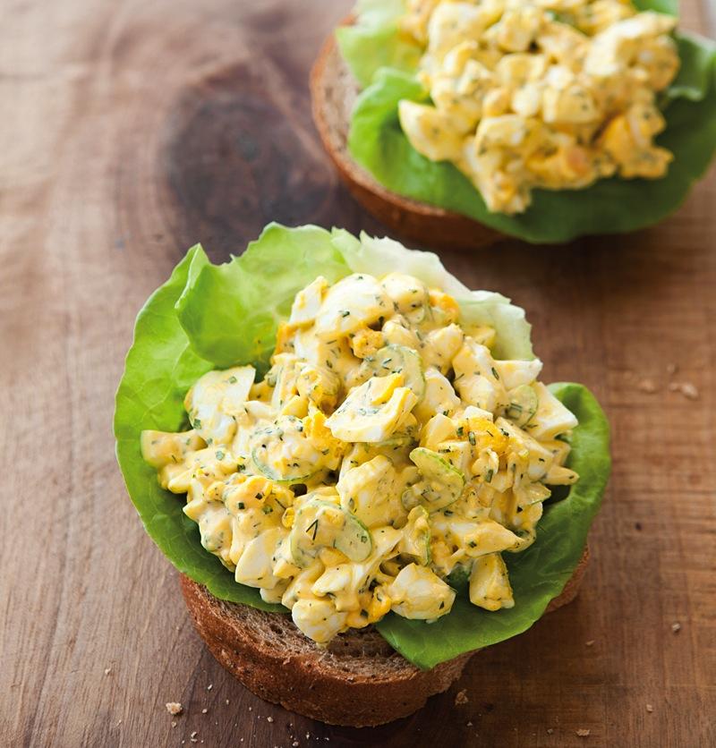 Készíts te is avokádós tojássalátát.