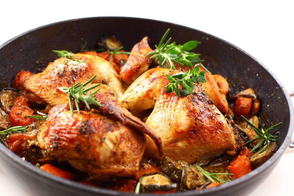 Zöldséges sült csirke recept.